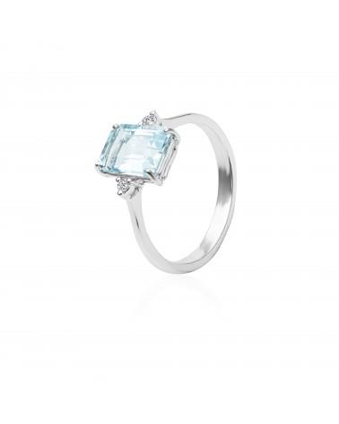 Anello in oro bianco con diamanti e acquamarina