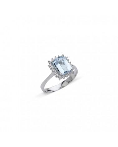 Anello in oro bianco con diamanti e acquamarina ottagonale